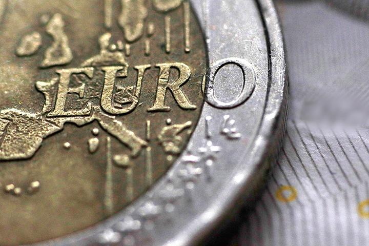 Негативная информация в отчетах может еще немного ослабить «европейца»