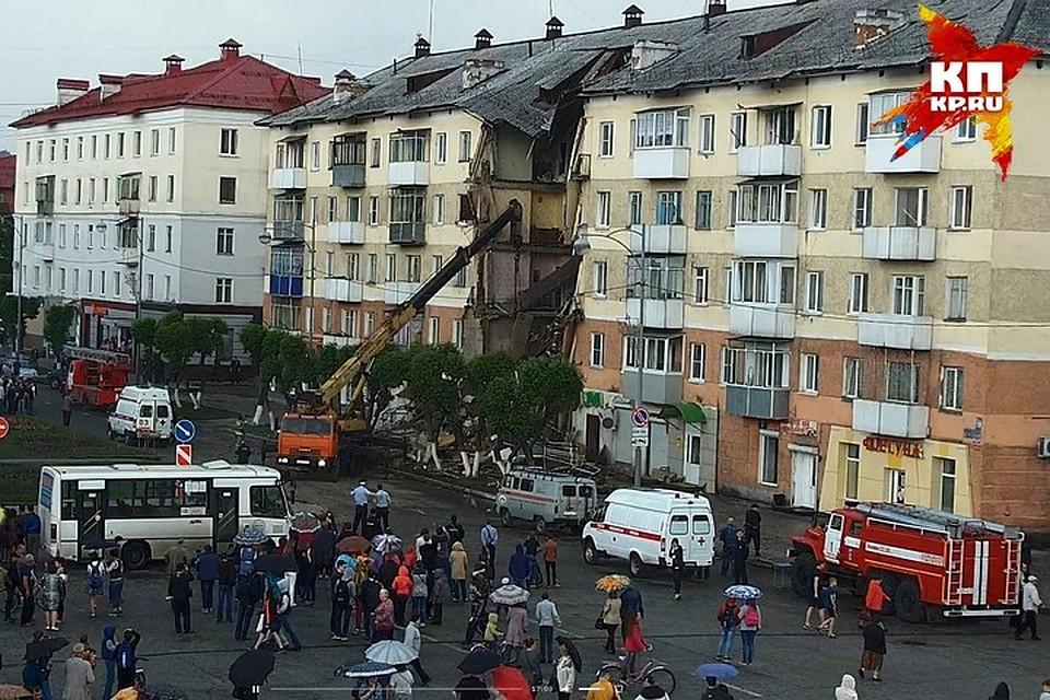 Взавалах дома в русском Междуреченске найдены тела двоих человек
