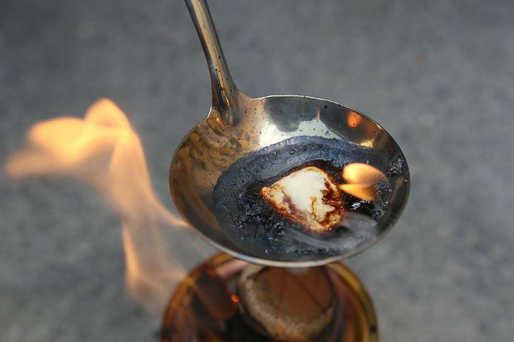 Суррогат горел синим пламенем