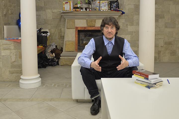 Козырев - ученый, кандидат философских наук, писатель