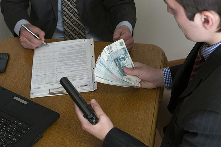 Новый закон призван обезопасить должников от неистовствующих коллекторов