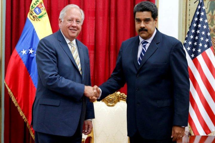 Встреча американского дипломата Томаса Шэннона с лидером Венесуэлы