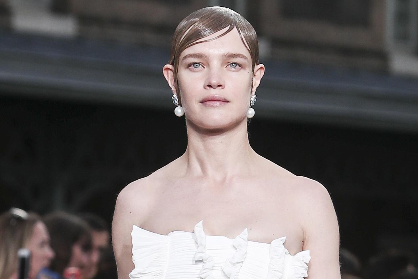 Водянова стала главной звездой показа модного дома Givenchy. Фото: East News.