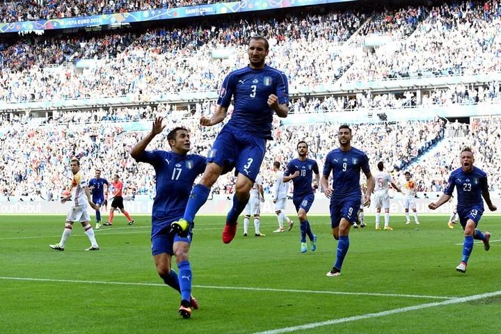 Италия празднует победу. Фото: uefa.com