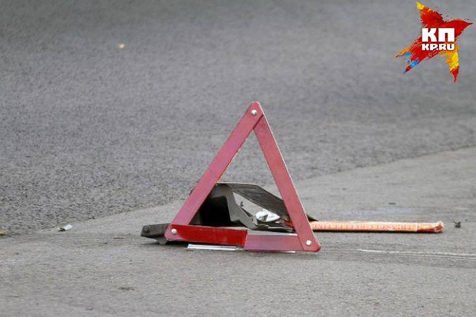 Трое кузбассовцев погибли вДТП сКамАЗом вНовосибирской области