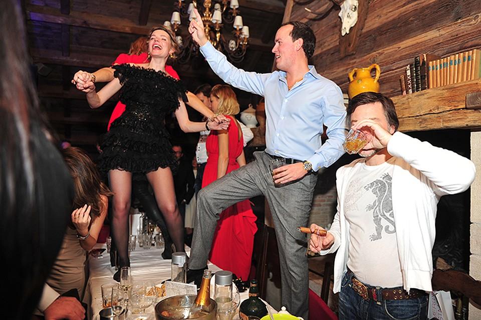 вечеринки пьяные онлайн-хв7