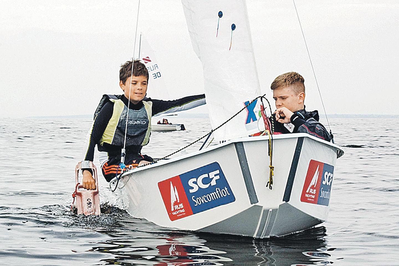 Тольятти. Юным яхтсменам приходилось ловить любое дуновение ветерка. Фото: junior-sport.su