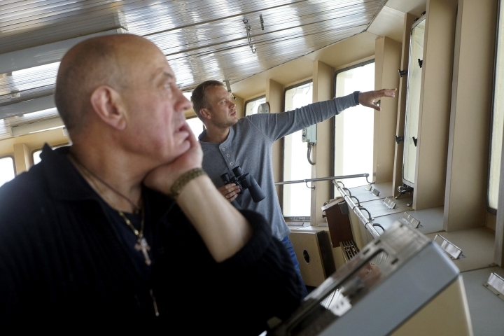 ВХвалынском районе наВолге застрял танкер сдизельным топливом