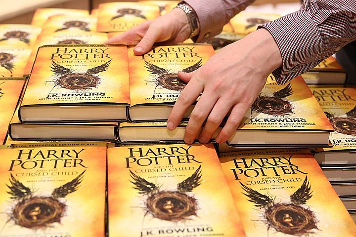 Новая книжка оГарри Поттере обогнала попопулярности «Ромео иДжульетту»