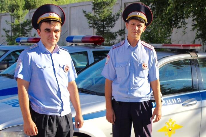 Кузбасские полицейские спасли 82-летнего грибника, который упал вовраг