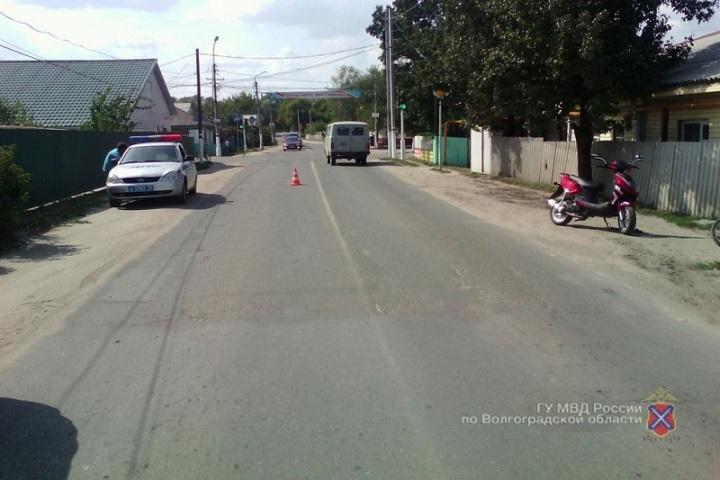Шофёр скутера сбил 9-летнего велосипедиста вВолгоградской области