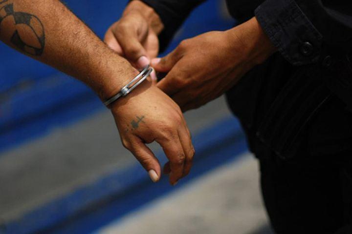 Южноуралец, убивший вилами двоих человек, приговорен кпожизненному заключению