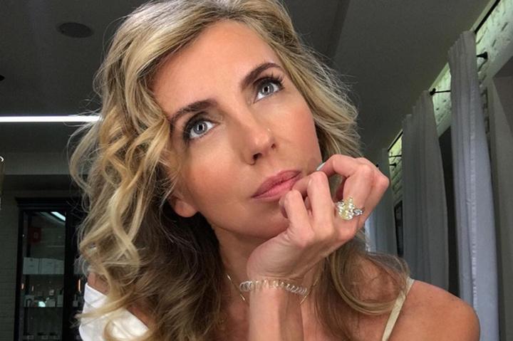 Экс-супруга Бондарчука показала себя обнаженную в шикарной гостиной