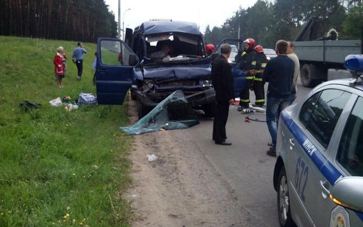 Под Минском маршрутка столкнулась с фургоном - шесть пострадавших