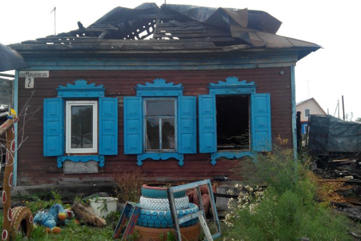 После ночного пожара семья из9 человек осталась без крыши над головой