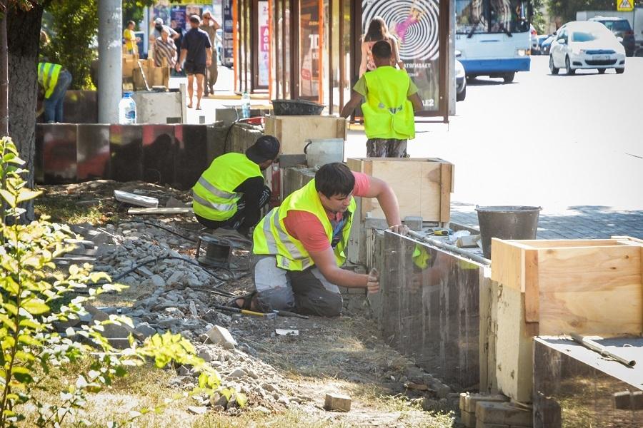 ВРостове продолжается реконструкция площади Советов