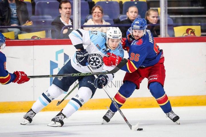 «Сибирь» одержала пятую победу подряд— Хоккей