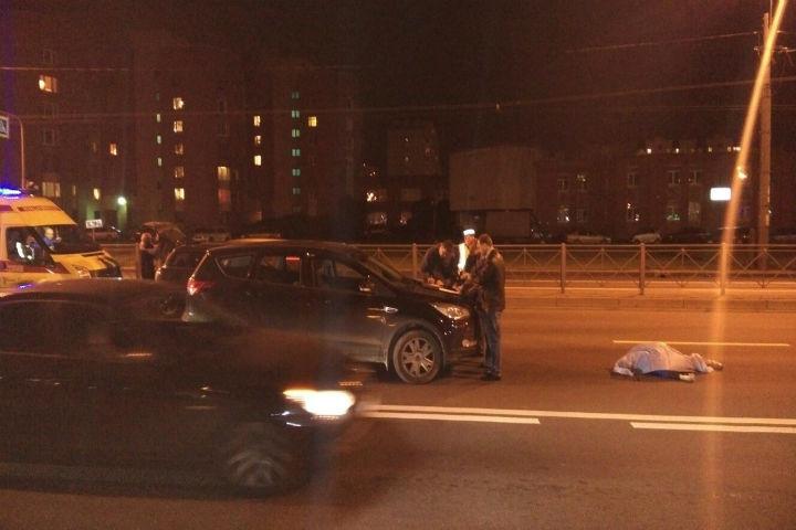 Наюге Петербурга машина насмерть сбила велосипедиста
