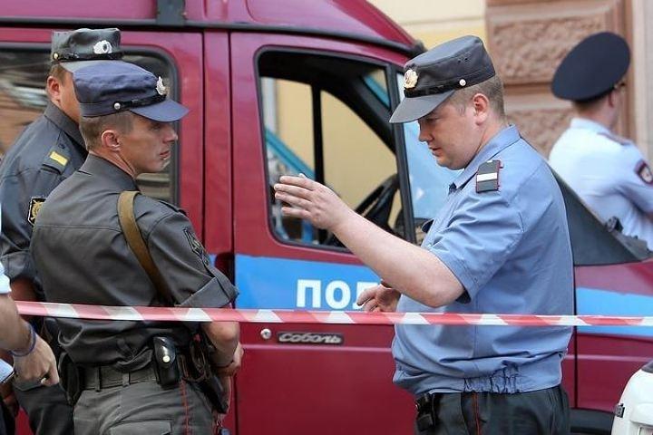 ВХабаровске подозреваемый визнасиловании выпал изокна отделения милиции