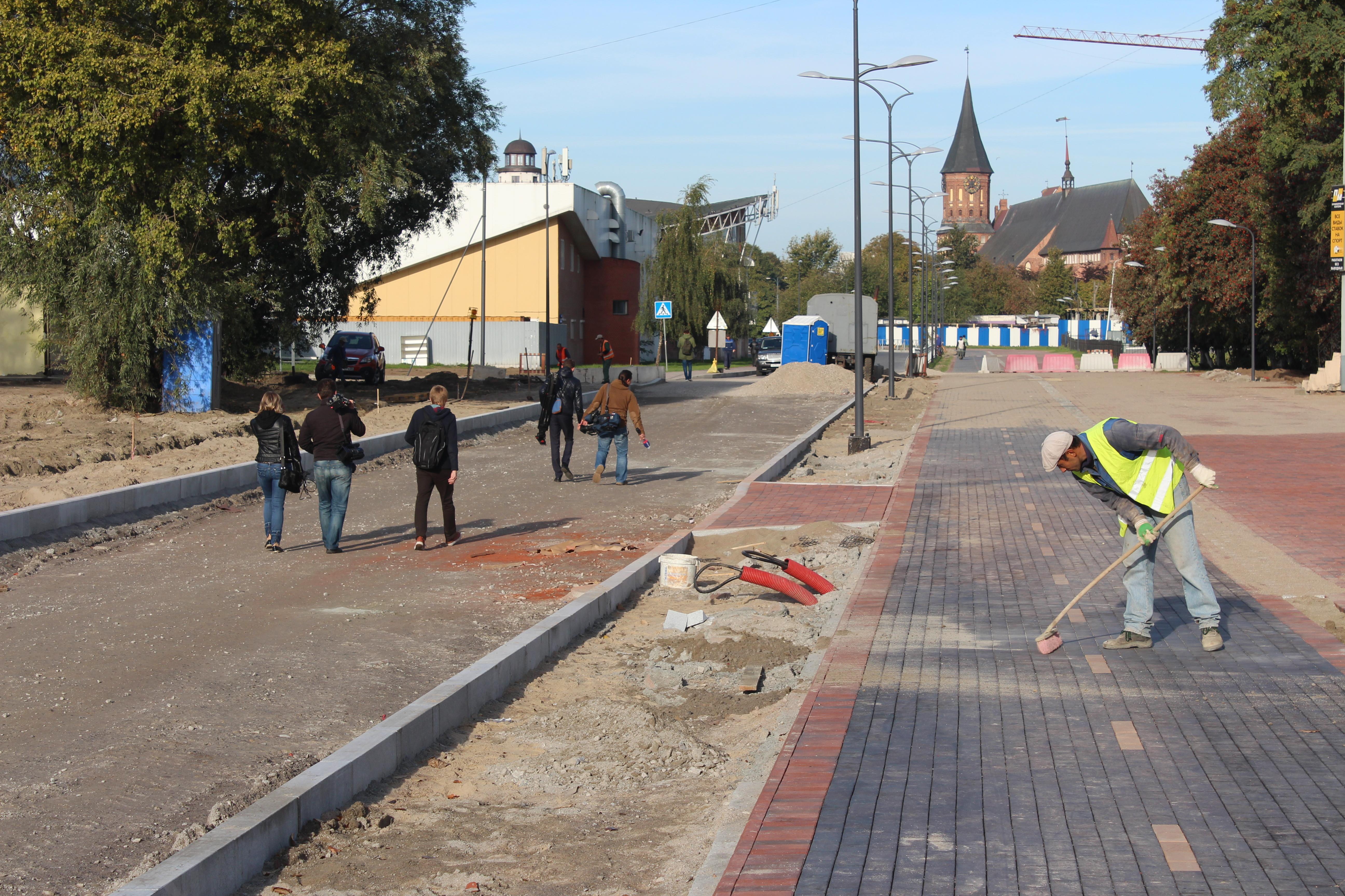 Нареконструкции дороги Солнечного проспекта пробуют победить отставание отграфика