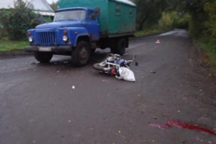 ВМичуринске мопед «влетел» в грузовой автомобиль