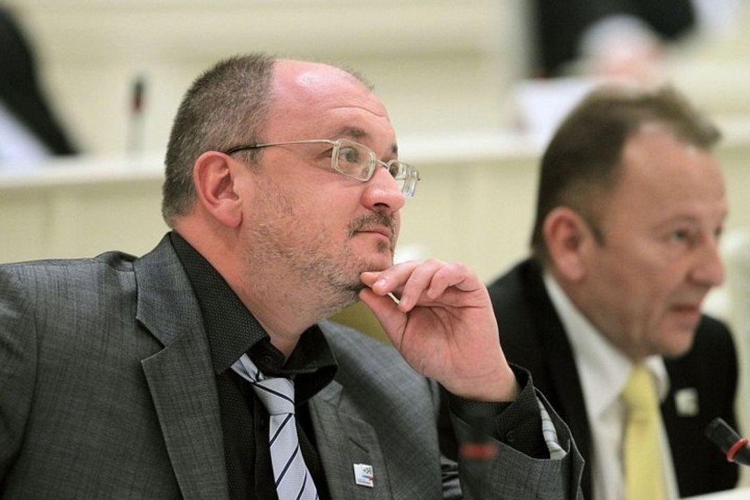 Максим Резник - один из тех, кто остался на своем посту. Фото: пресс-служба Смольного