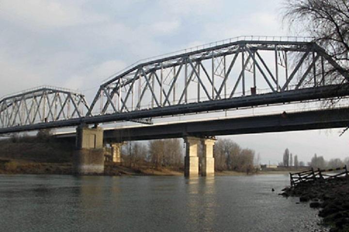 Женщина покончила с собой, прыгнув с моста в Днестр (Фото: пресс-служба МВД Приднестровья).