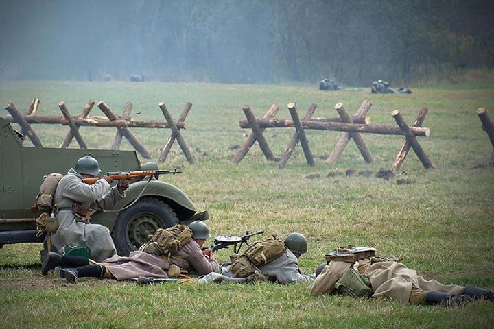 В столицеРФ реконструировали битву наБородинском поле 1941 года