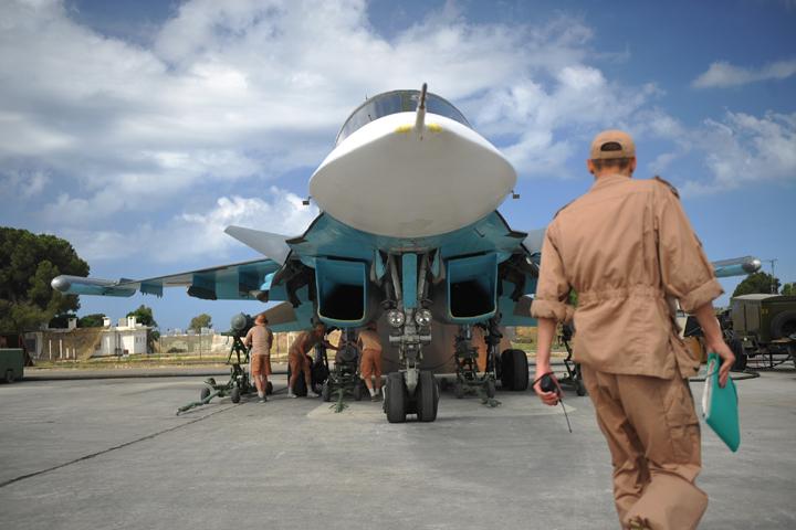 Сирия. Российский истребитель-бомбардировщик Су-34 на авиабазе `Хмеймим`