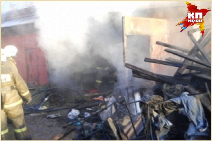 Два человека погибли впроцессе пожара вгараже вГлазове
