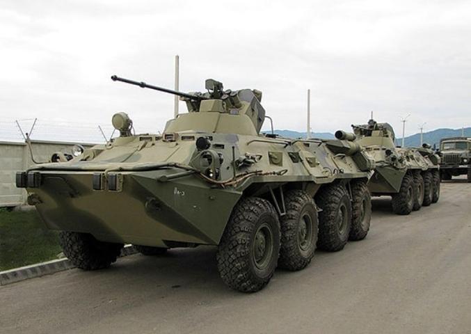 Западный военный округ получит сотню новейших БТР-82АМ