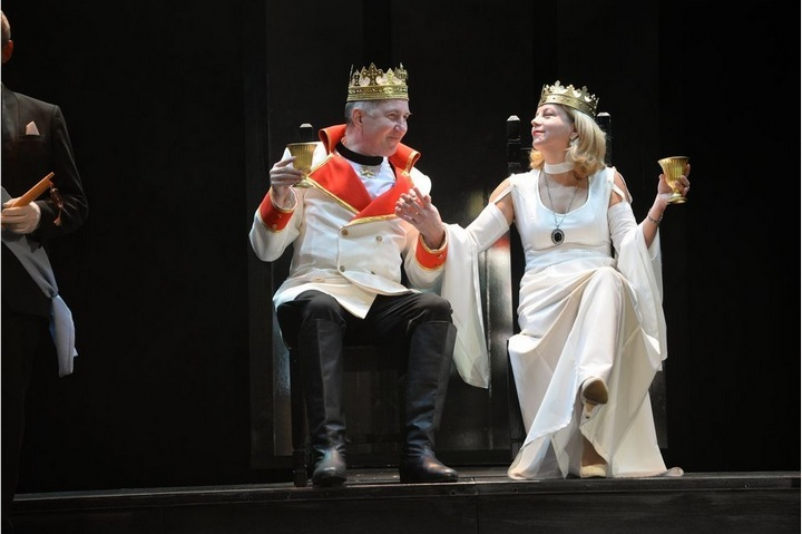 ВКурске из-за нетрезвого короля Клавдия довелось прервать спектакль