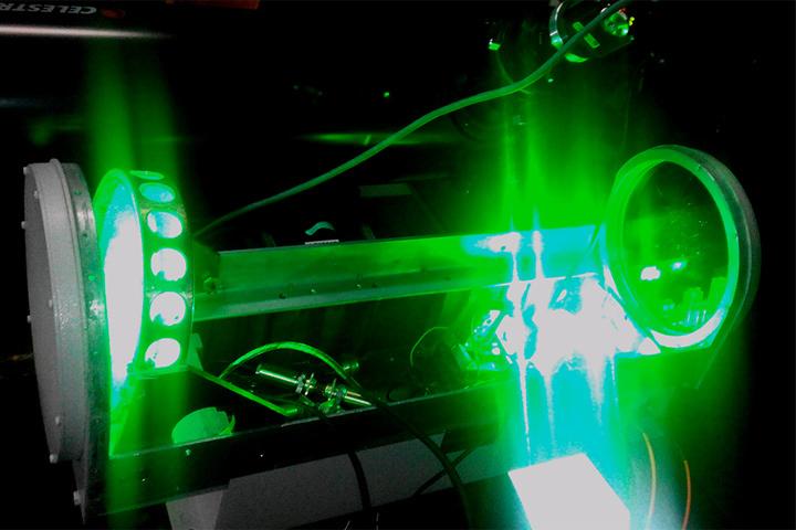 На специальной трассе был установлен лазер с системой наведения. ФОТО РОСКОСМОС