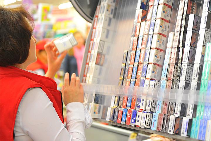 Табачные компании связывают рост неофициальной продукции в России с ростом акцизов