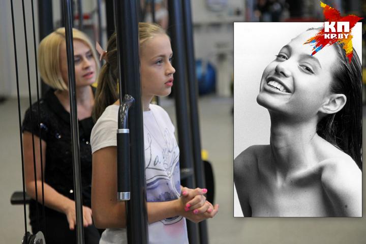 Алиса Грибалева невероятно похожа на Анджелину Джоли (справа) в детстве