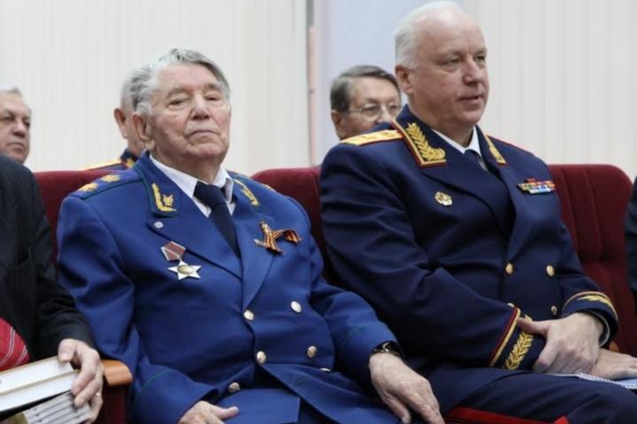 Александр Сухарев в свои 93 года продолжает участвовать в заседаниях Общественного совета при СК России
