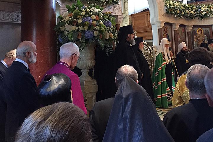 На службу Патриарха в Успенском кафедральном соборе Лондона приехал кузен королевы принц Майкл Кентский.