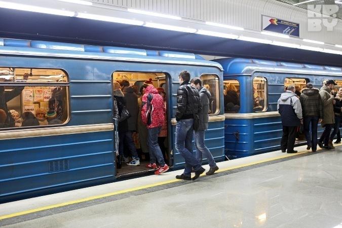 МЧС запустили видеоролик о том, что делать, если упал на рельсы в метро Фото: из архива «КП»
