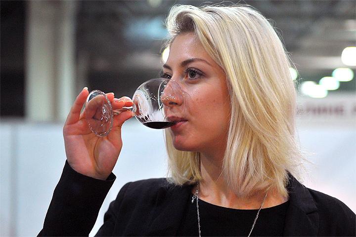 Со следующего года Минсельхоз планирует «закрепить» минимальную стоимость бутылки вина в районе 200-250 рублей.