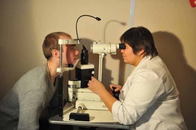 Получите профессиональную консультацию ведущих врачей-офтальмологов совершенно бесплатно!