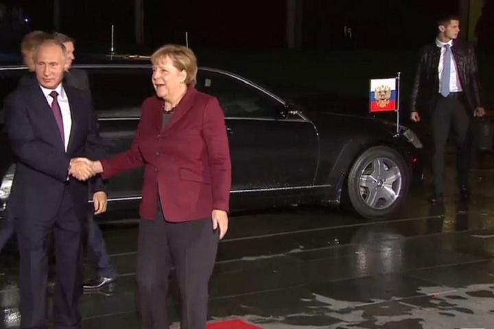 Ангела Меркель встретила Владимира Путина