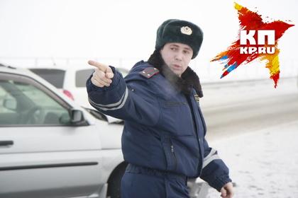 Из-за снегопада для фургонов иавтобусов закрыли дорогу врайоне Дивногорска