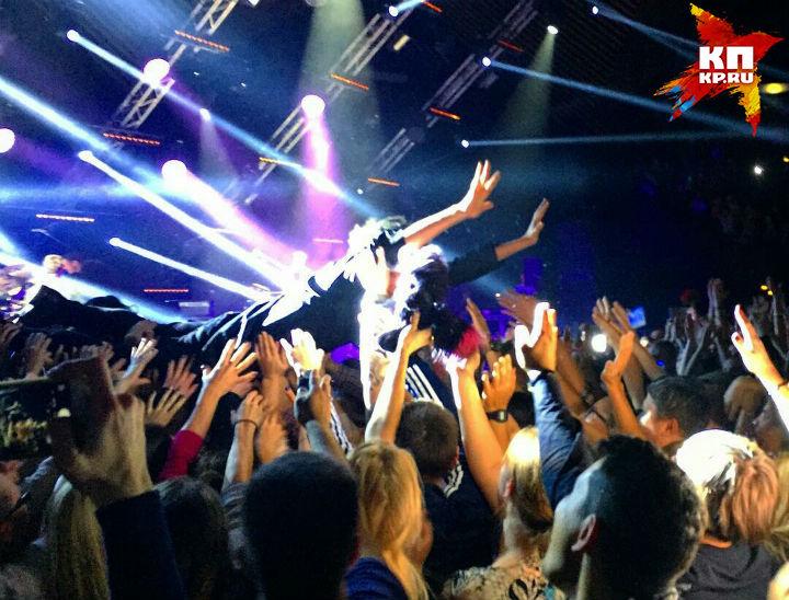 Земфира получила травму впроцессе концерта вБерлине