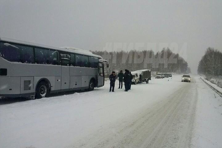 Очередной красноярский автобус попал в трагедию натрассе