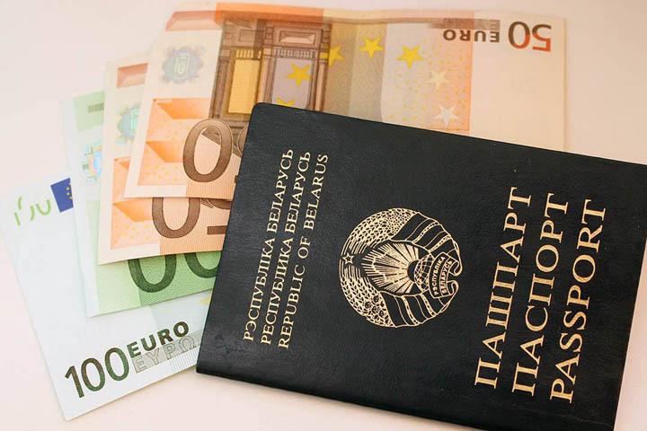 Доллар и русский руб. падают, аевро растет— Свежие курсы валют