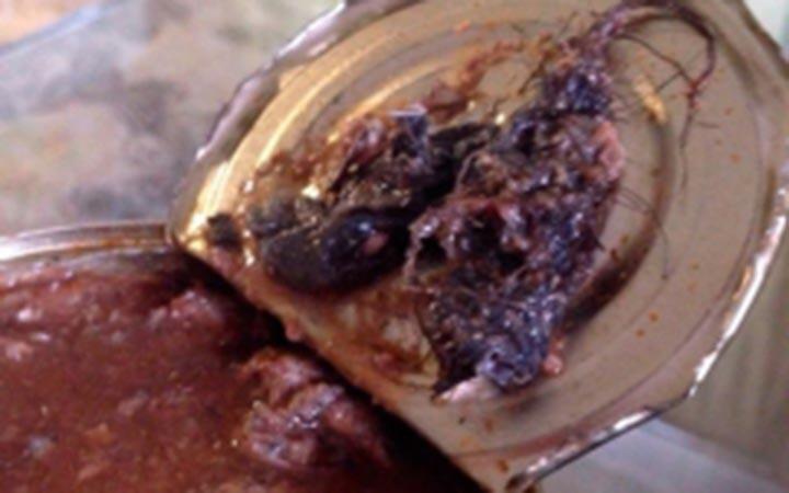 СКРФ проверит крымского производителя консервов, вкоторых омичи отыскали дохлую крысу