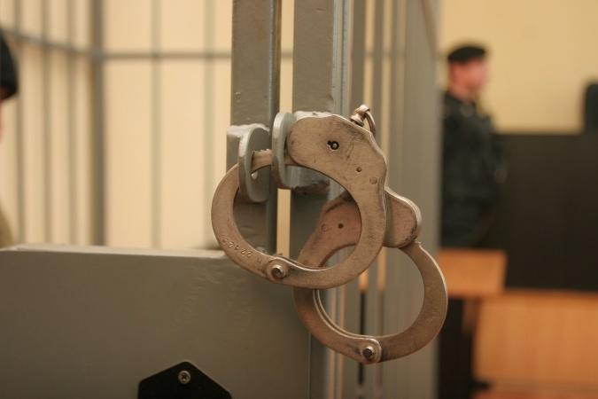 Экс-полицейский изШахт хотел отпустить насильника за150 тыс. руб.