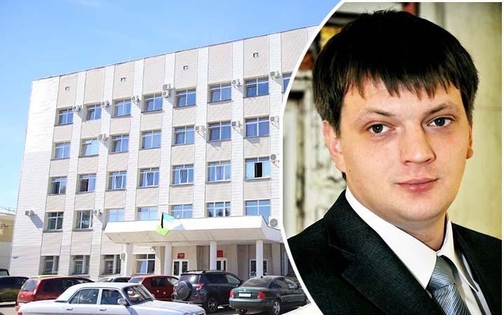 Омский депутат голодает 13 дней, сидя наводе икофе