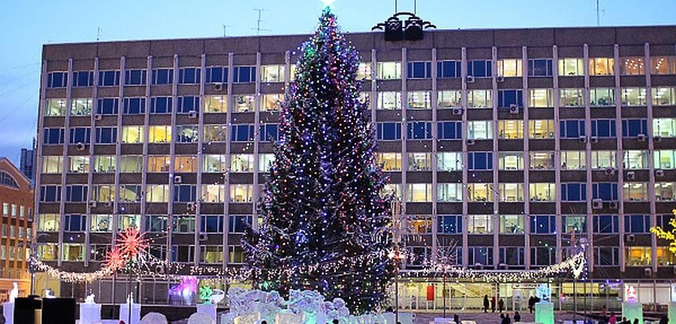 Елку откроют 23 декабря