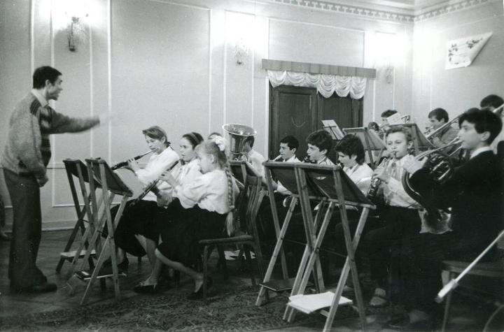 Геннадий Носов был руководителем детского духового оркестра Калининграда почти 40 лет.